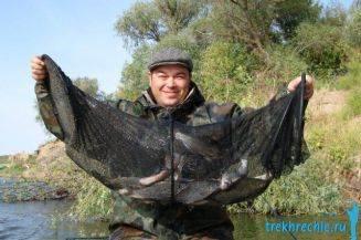 ловля рыбы на червя